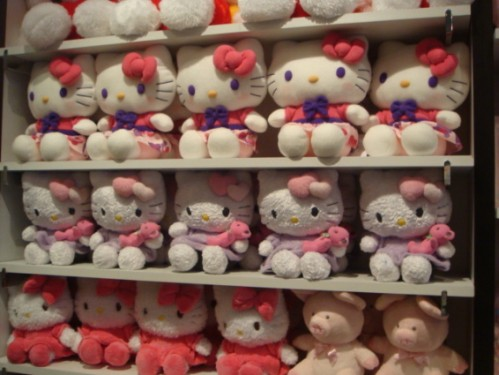 Hello Kitty dolls on shelf