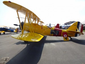 yellow plane side view